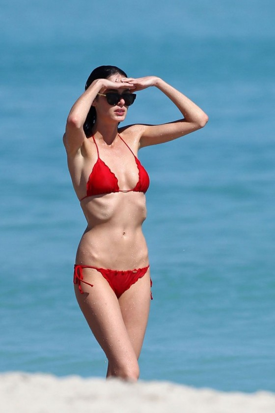 Nicole Trunfio – Bikini in Miami-02
