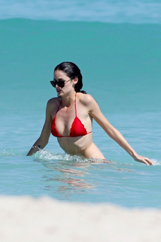 Nicole Trunfio – Bikini in Miami-09
