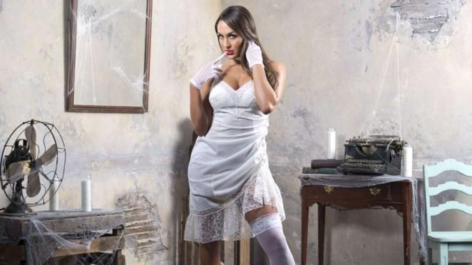 Nikki Bella - House of Haunted Divas Photos