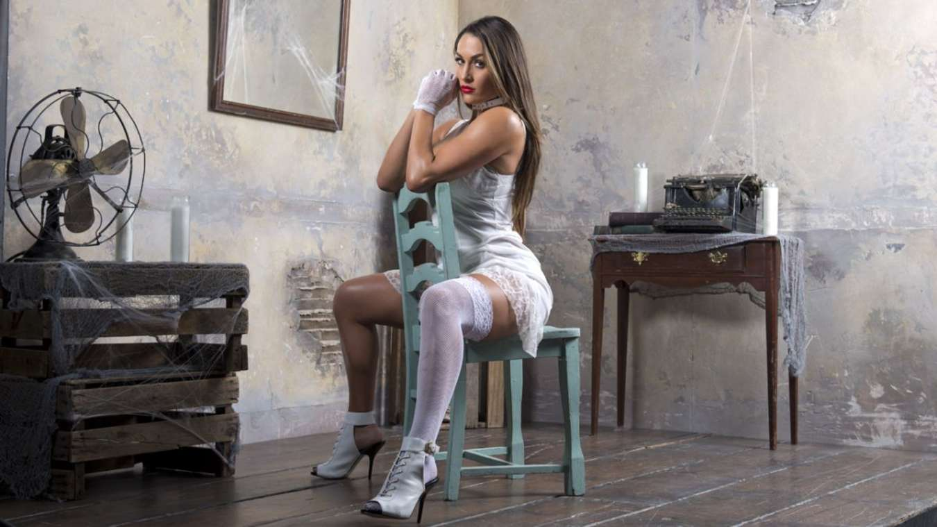 nikki bella house of haunted divas photos gotceleb