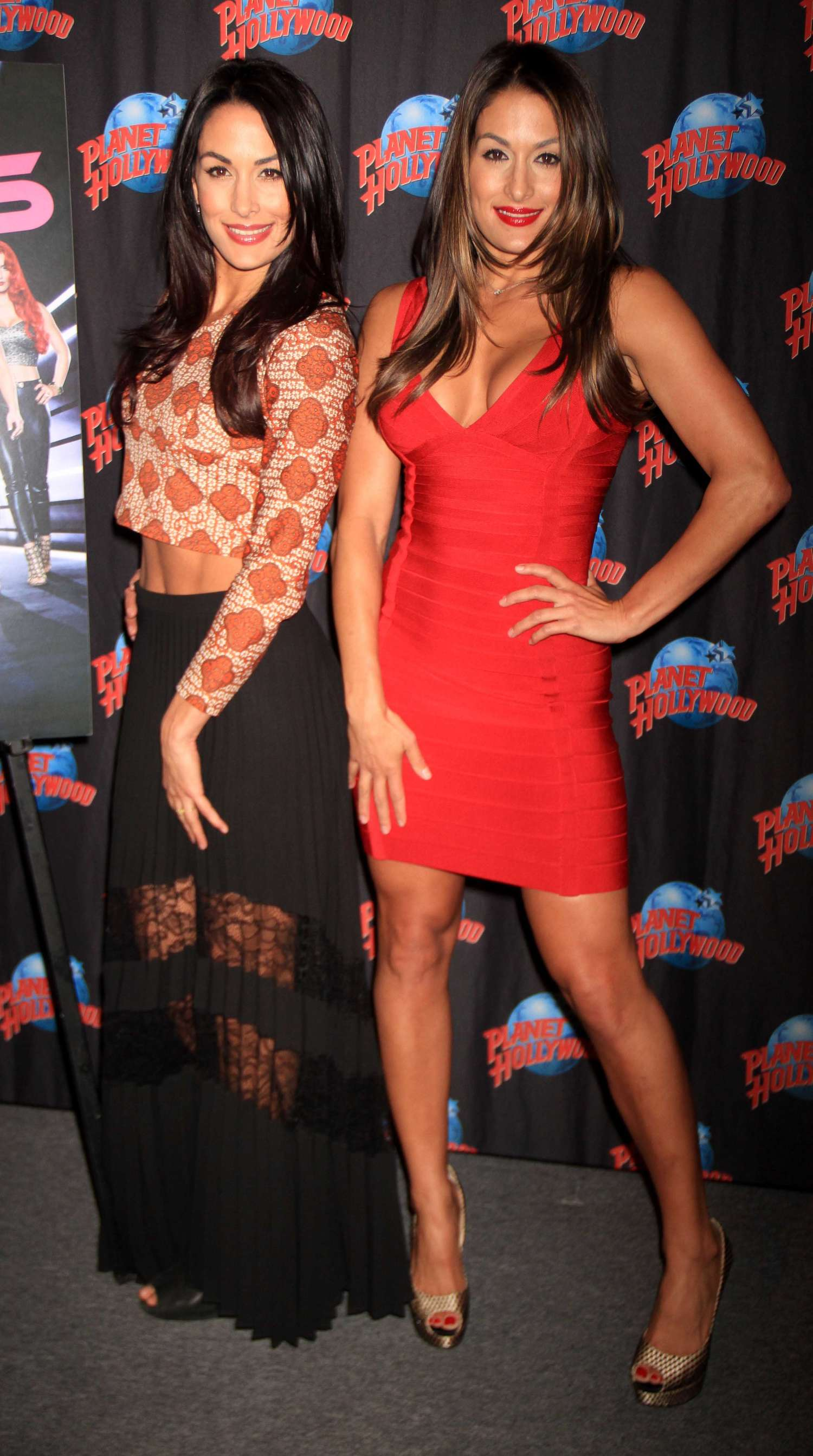 Nikki and brie bell planet hollywood hall of fame 07 full size