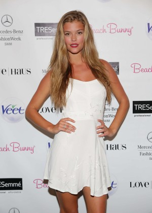 Nina Agdal in White Dress at Beach Bunny Show with TRESemme in Miami