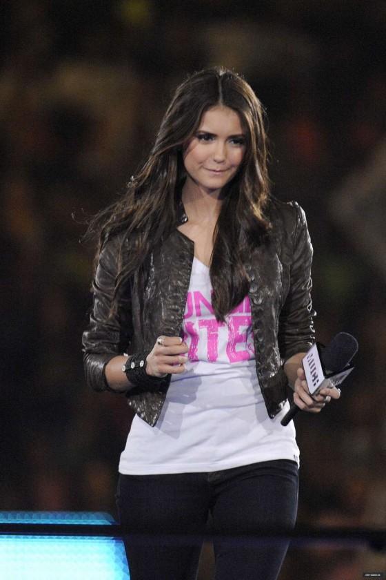 Nina Demi Lovato Friend