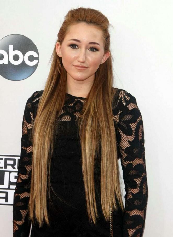 Noah Cyrus - 2014 American Music Awards in LA