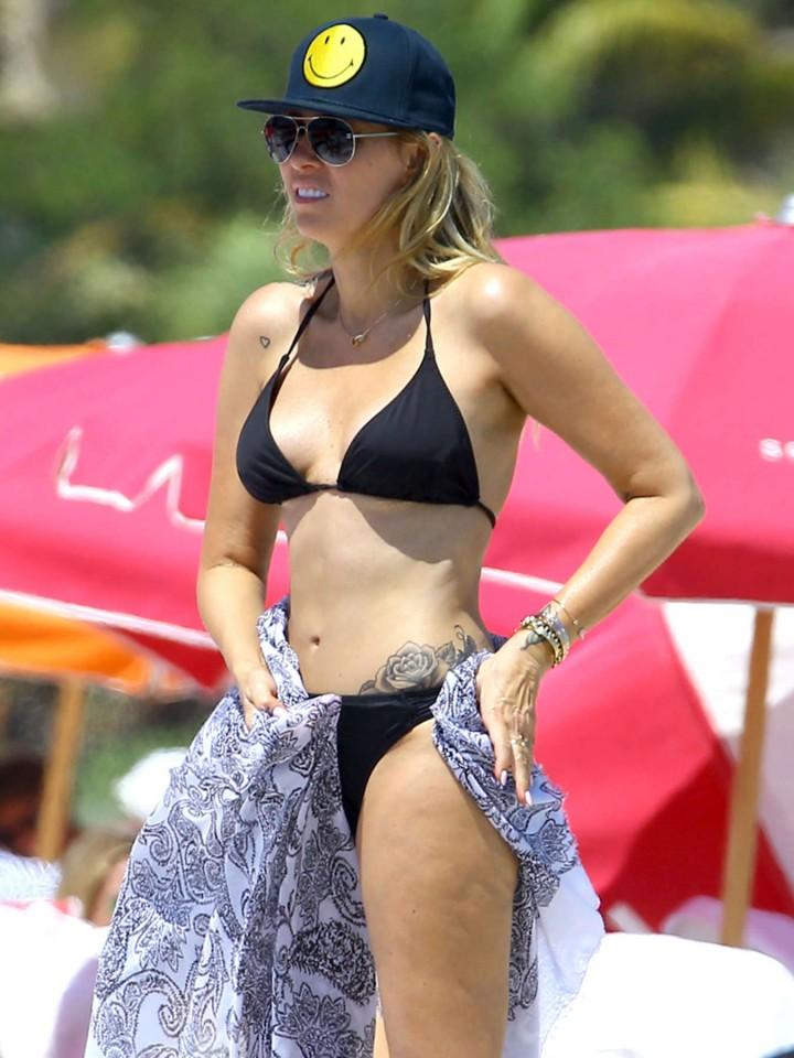 Range Rover Los Angeles >> Noah Cyrus, Tish Cyrus and Brandy Cyrus – Wearing Bikinis in Miami – GotCeleb