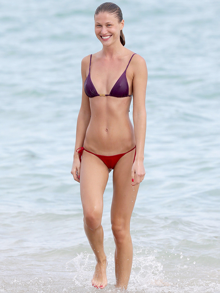 Celebrities Bikini 9