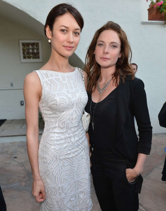 http://www.gotceleb.com/wp-content/uploads/celebrities/olga-kurylenko/starz-s-the-white-queen-launch-in-la/Olga-Kurylenko---The-White-Queen-launch--02-560x711.jpg