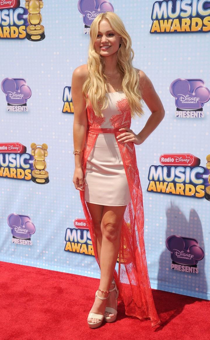 Olivia Holt Hot at 2014 Radio Disney Music Awards in LA -01