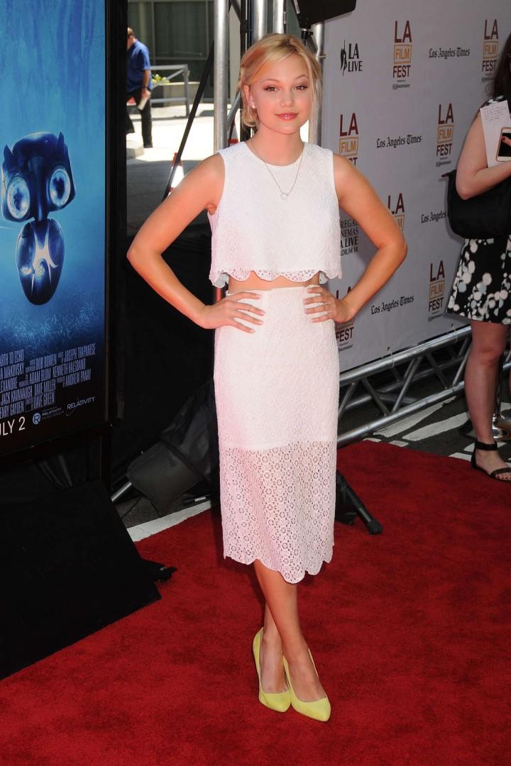 Olivia Holt 2014 : Olivia Holt adorable in white dress -09