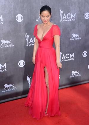 Olivia Munn: 2014 Academy of Country Music Awards -03