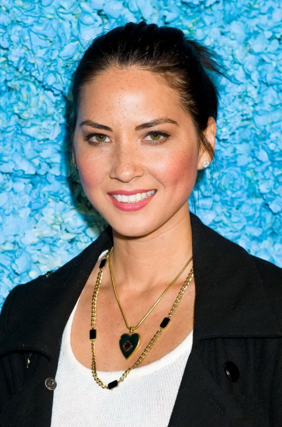 Olivia Munn at Just Jareds party-04