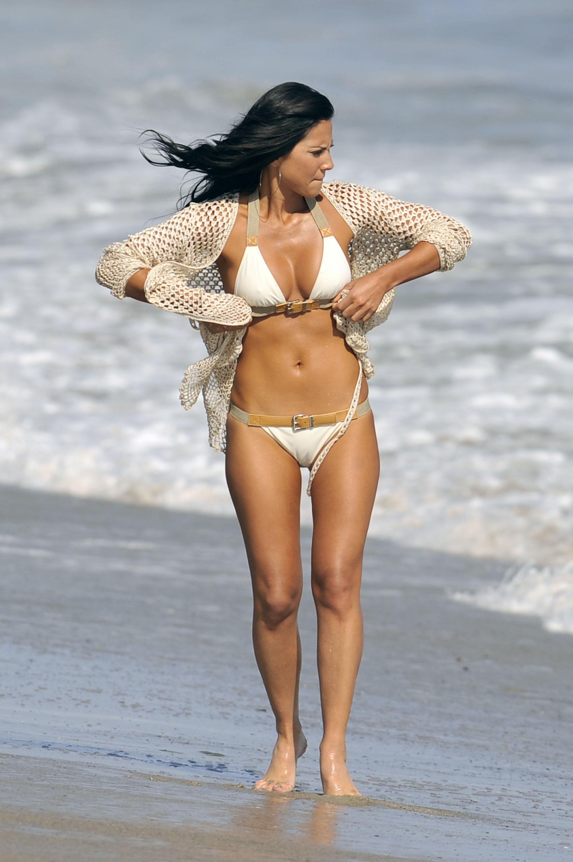 Olivia Munn Bikini Pictures 49