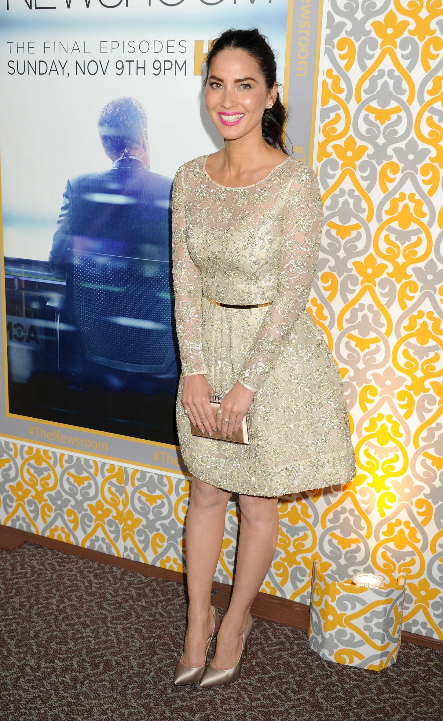 Fotos - Olivia Munn At Hbo S Newsroom Season 3 Premiere Celebzz
