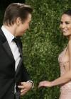 Olivia Munn - Oscar 2013 - Vanity Fair Party -01