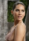 Olivia Munn - Oscar 2013 - Vanity Fair Party -04