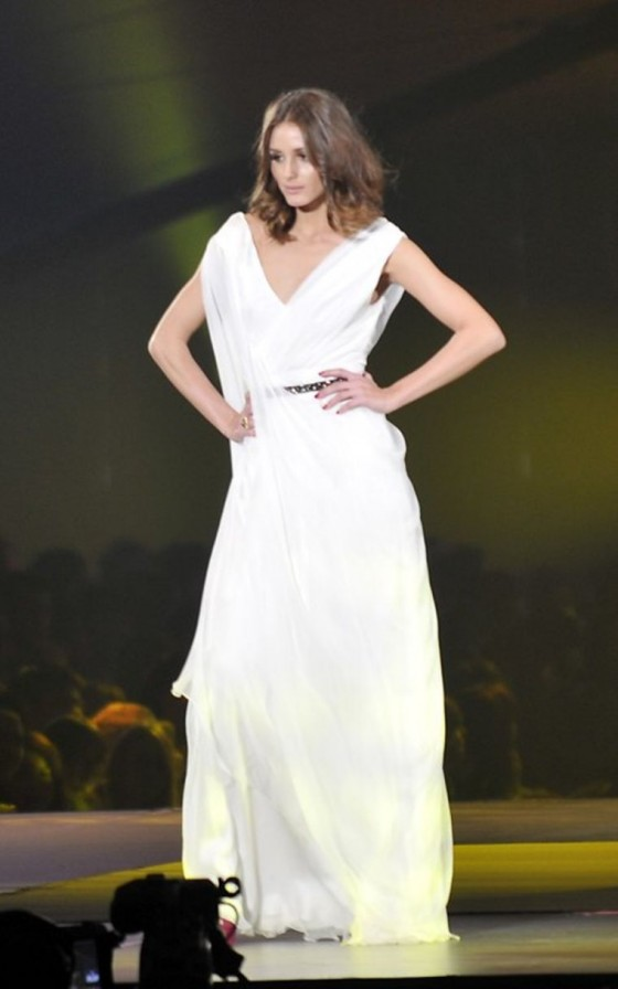 """90210"" Hotties and Olivia Palermo Hit the AGE Runway"