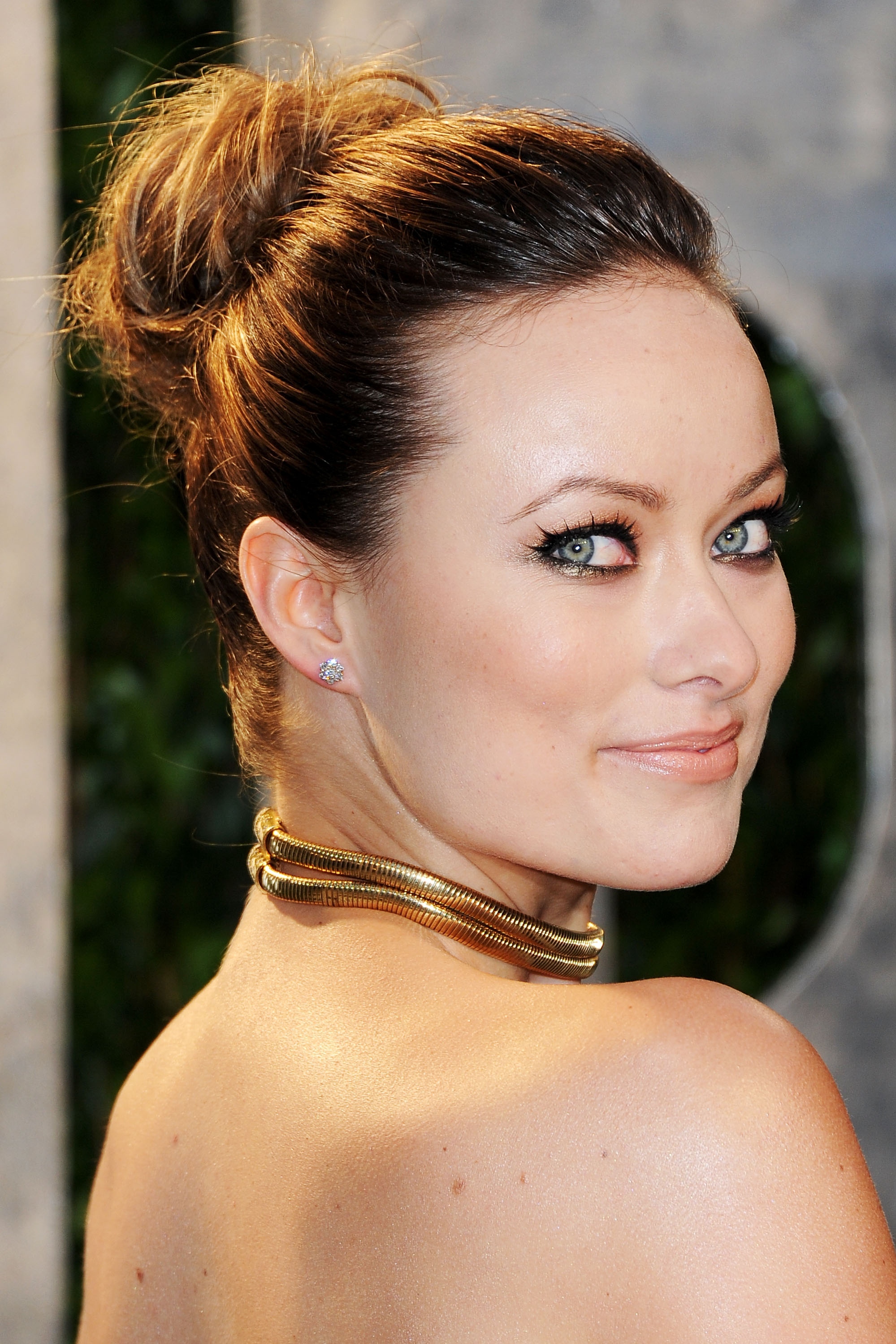Olivia Wilde Cleavage In Tight Dress At Vanity Fair Oscar