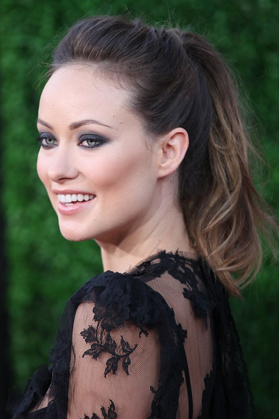 olivia-wilde-cowboys-and-aliens-world-premiere-18