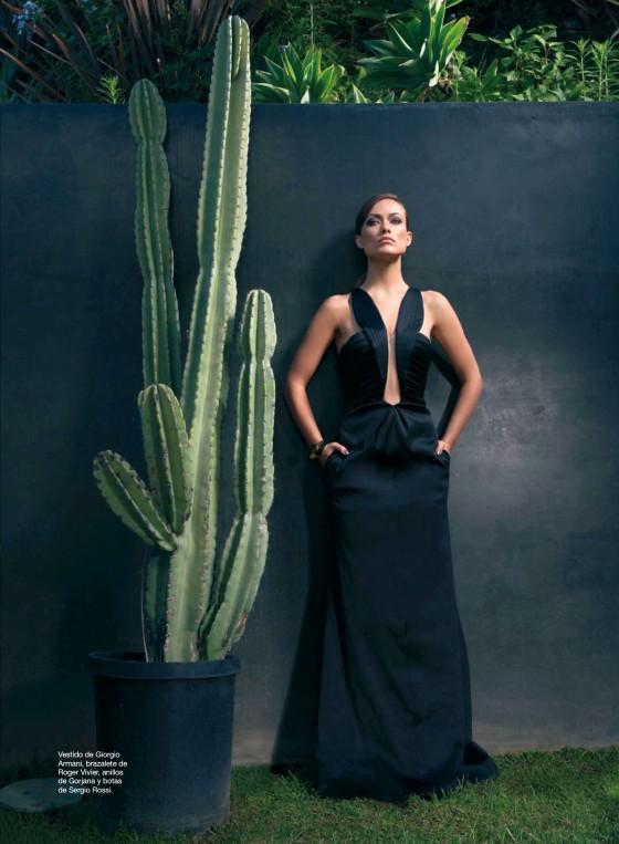 Olivia Wilde – Harpers Bazaar 2013 Spain -02