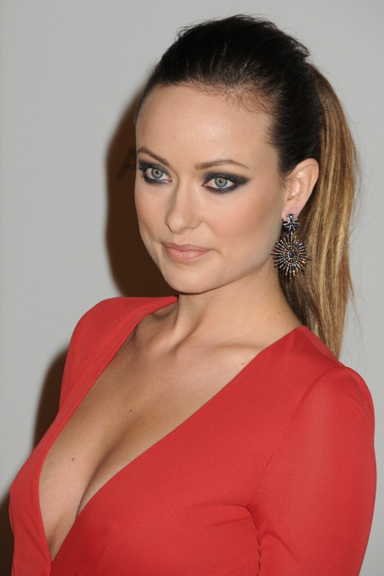 http://www.gotceleb.com/wp-content/uploads/celebrities/olivia-wilde/hot-in-red-at-2011-lacma-art-and-film-gala-in-los-angeles/Olivia%20Wilde%20at%202011%20LACMA%20Art%20and%20Film%20Gala%20in%20Los%20Angeles-07-560x840.jpg