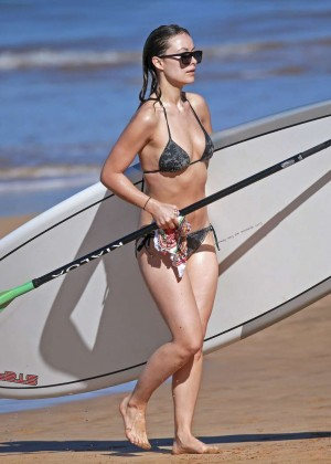 Olivia Wilde in bikini -13