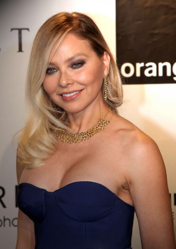 Ornella Muti cleavage at Filmball 2012-09