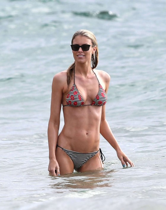 Paige Butcher bikini pics in Maui -25 - GotCeleb