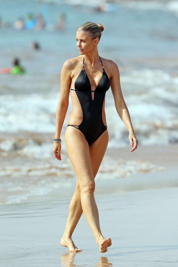 Paige Butcher Swimsuit Photos: 2014 in Maui -03 – GotCeleb