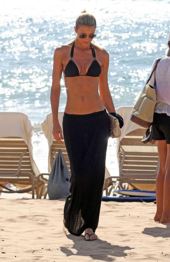 Paige Butcher - Wearing Black Bikini in Maui -04