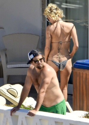 Pamela Anderson: Bikini in Sardinia-25