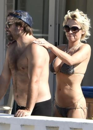 Pamela Anderson: Bikini in Sardinia-26