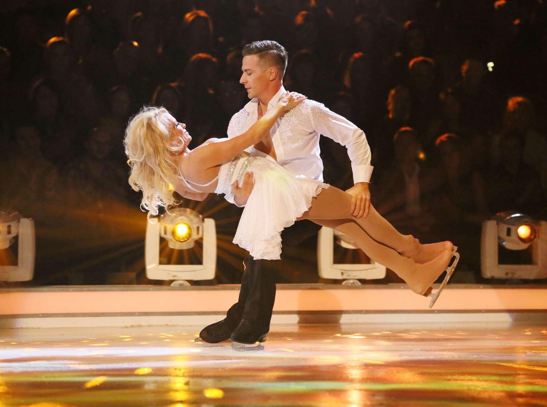 pamela anderson � dancing on ice uk 10 � gotceleb