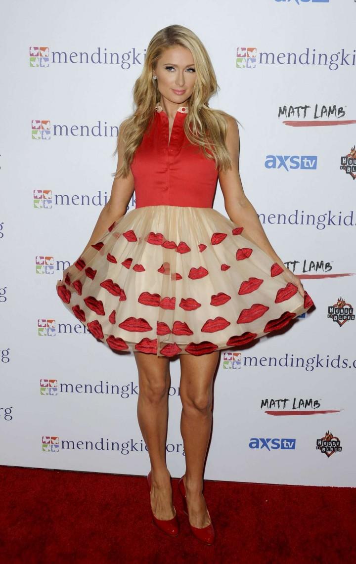¿Cuánto mide Paris Hilton? - Real height Paris-Hilton-at-2014-Mending-Kids-International-All-Star-Concert-Hollywood--16-720x1141