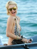 paris-hilton-at-nikki-beach-club-at-pampelonne-beach-15