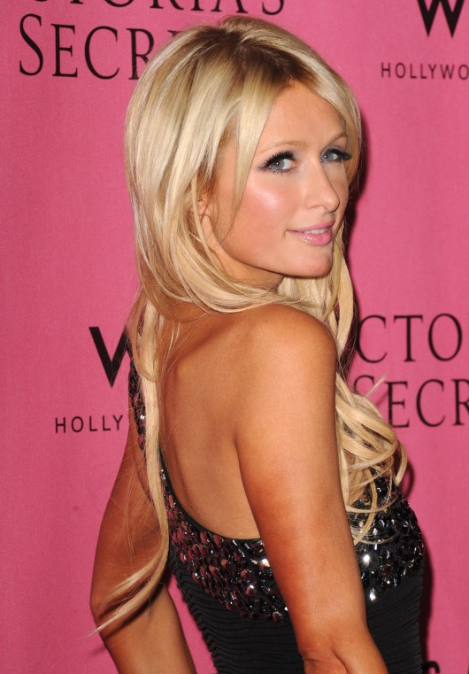 Paris Hilton 2010 : paris-hilton-at-victorias-secret-5th-annual-what-is-s***-event-01