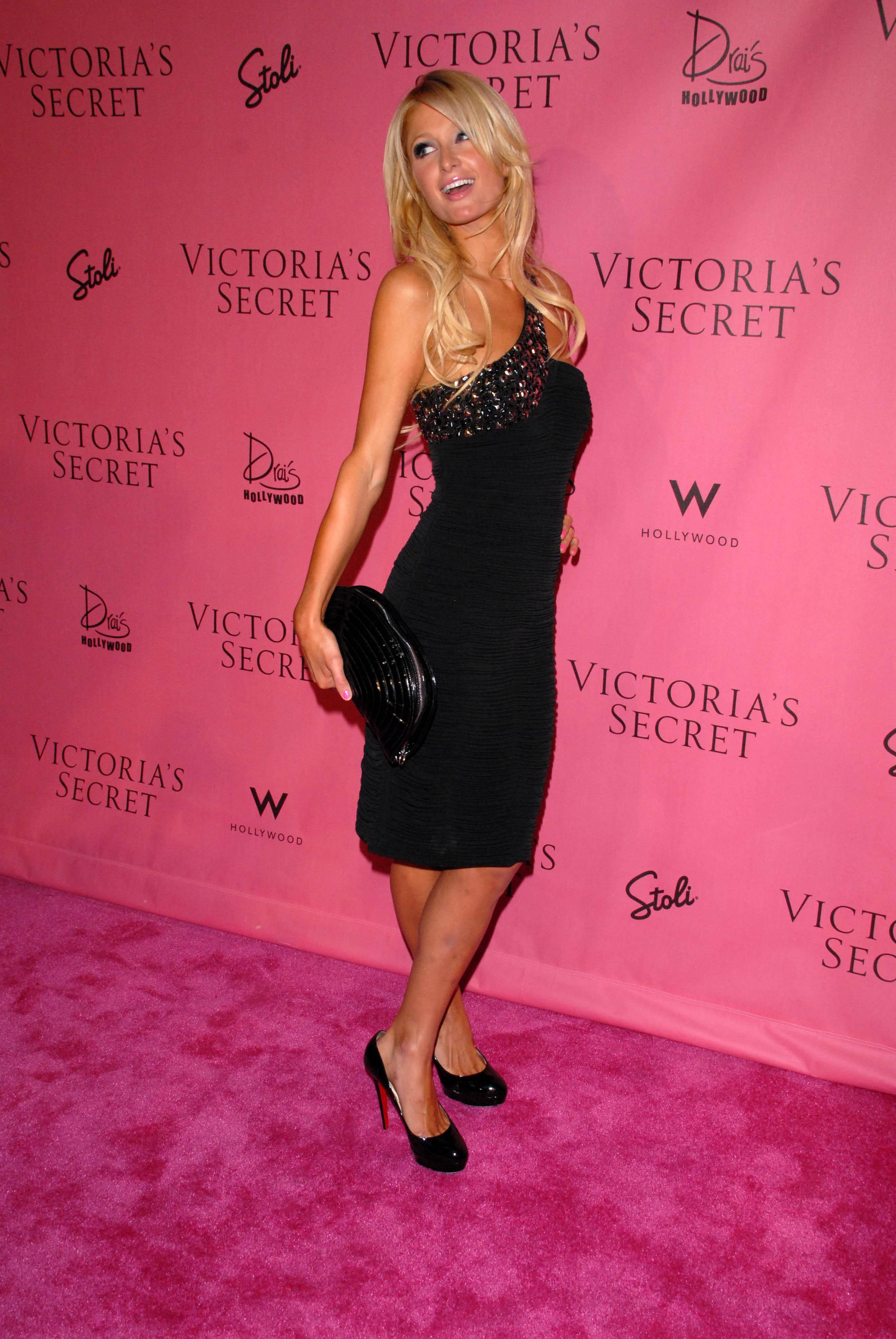 Paris Hilton 2010 : paris-hilton-at-victorias-secret-5th-annual-what-is-sexy-event-10