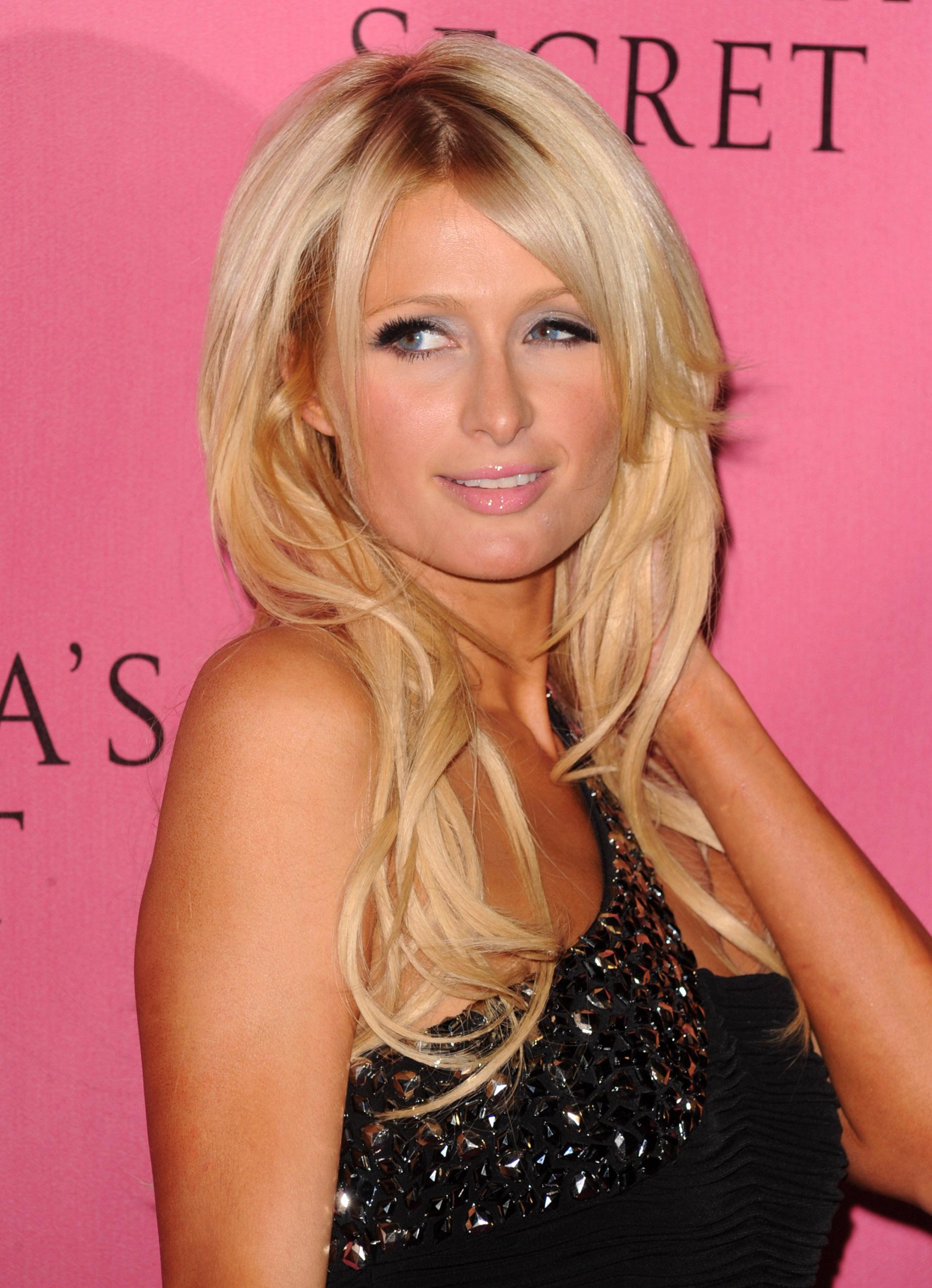 Paris Hilton 2010 : paris-hilton-at-victorias-secret-5th-annual-what-is-sexy-event-12