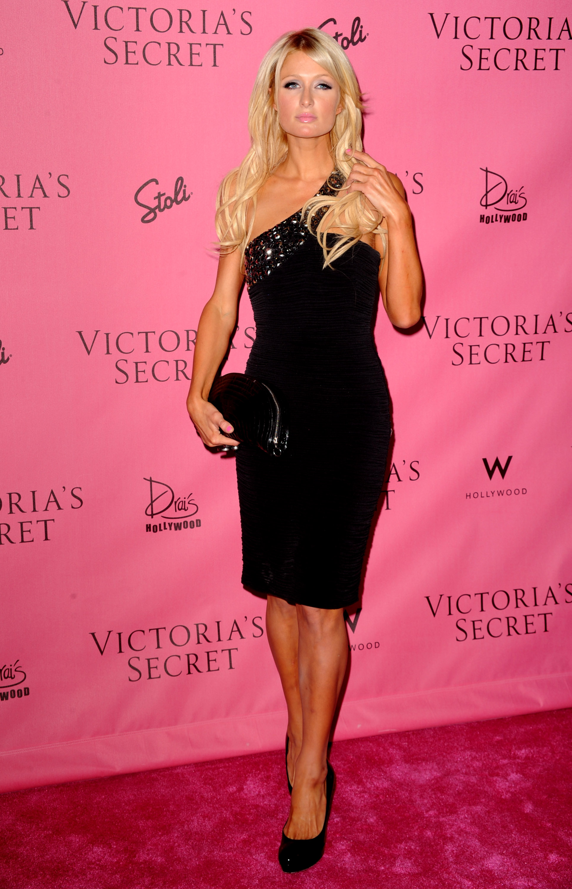 Paris Hilton 2010 : paris-hilton-at-victorias-secret-5th-annual-what-is-sexy-event-16