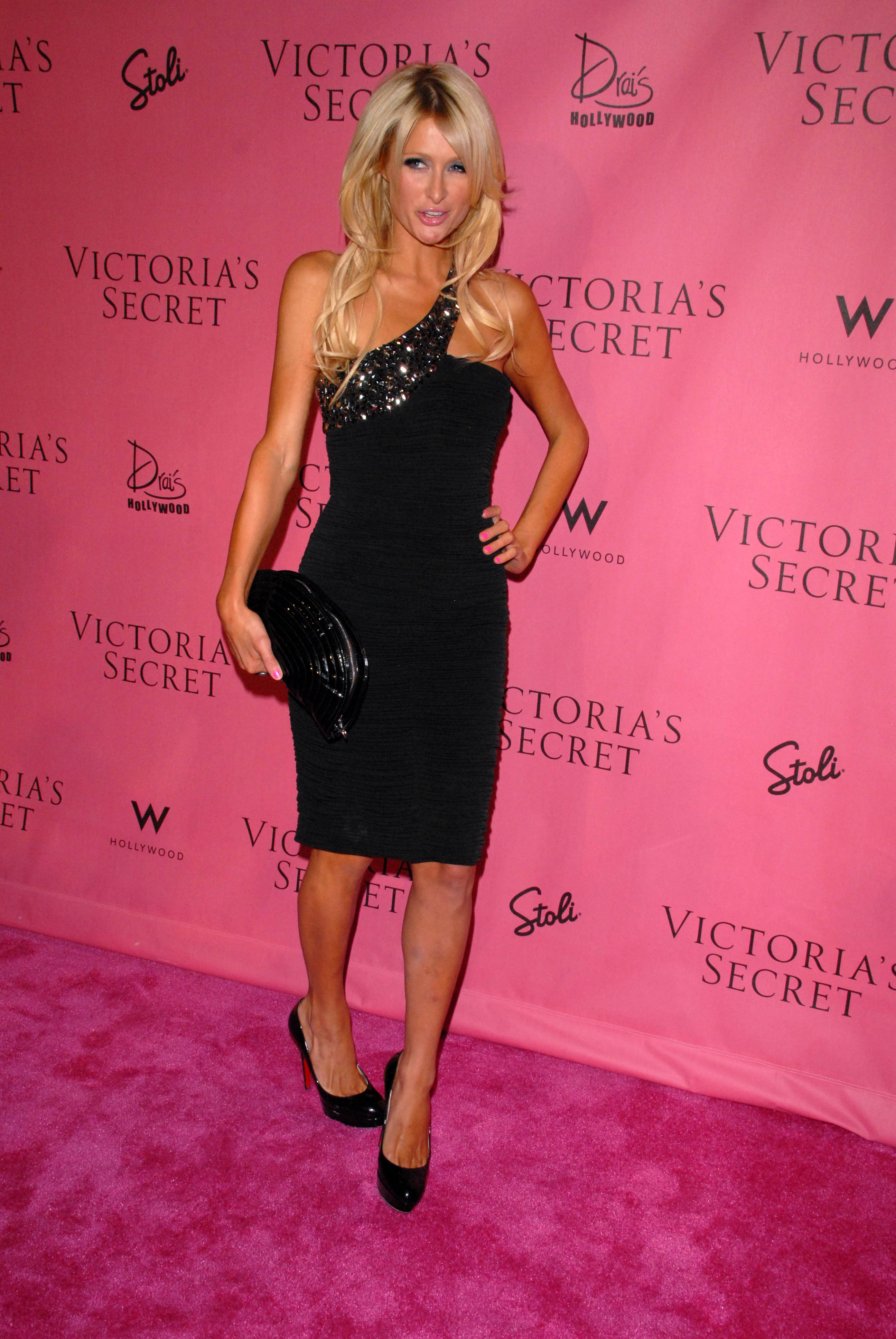 Paris Hilton 2010 : paris-hilton-at-victorias-secret-5th-annual-what-is-sexy-event-20