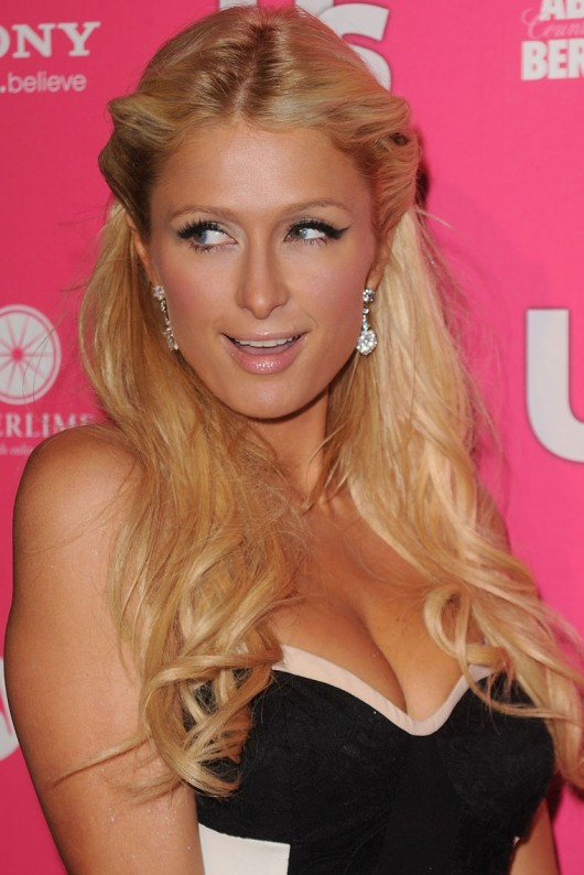 paris-hilton-cleavage-at-the-us-magazine-hot-hollywood-party-01