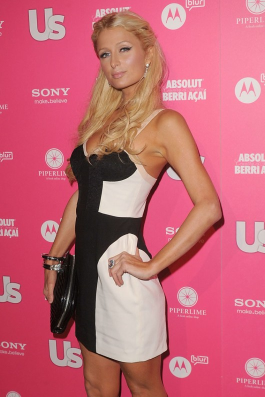 paris-hilton-cleavage-at-the-us-magazine-hot-hollywood-party-05