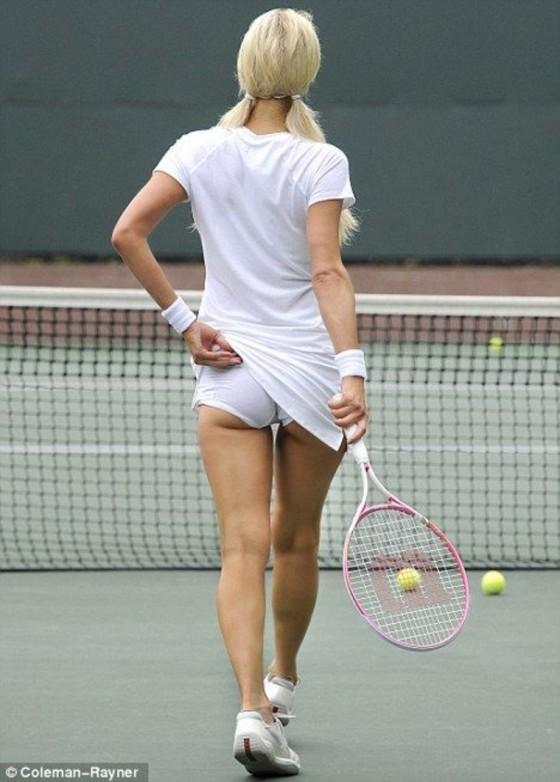 Paris Hilton – Playing Tennis in Beverly Hills
