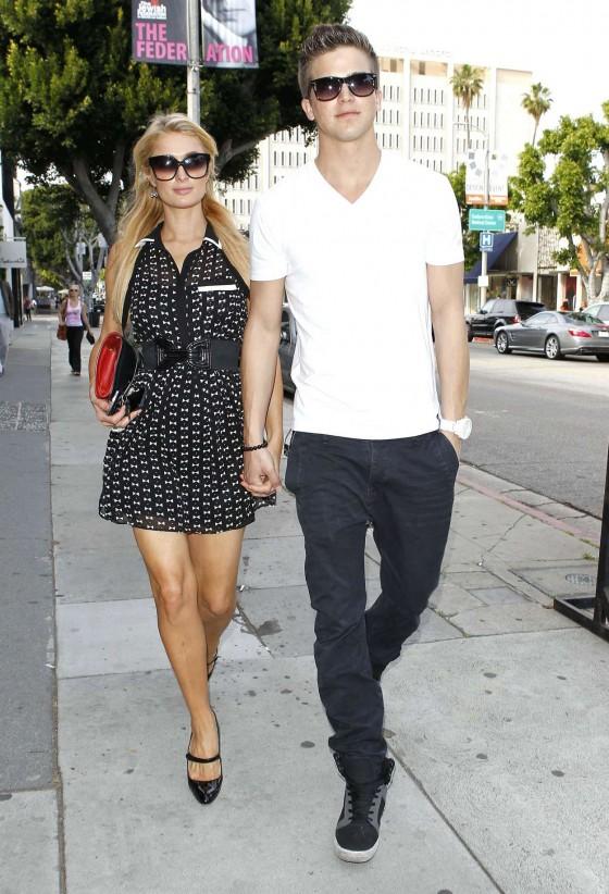 Paris Hilton – Shopping Candids -09