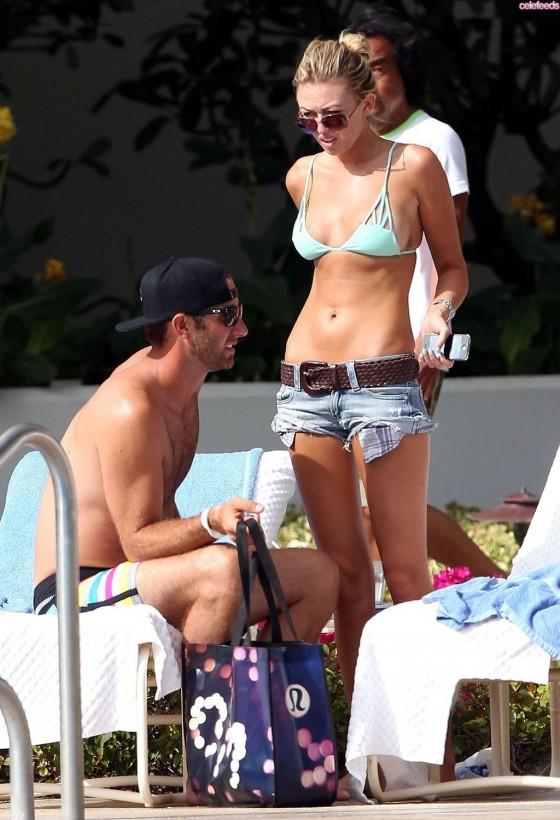 Paulina Gretzky – Hot Bikini Body -10