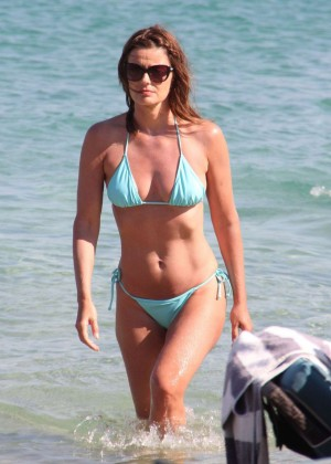Paulina Porizkova Bikini Photos: Miami -05