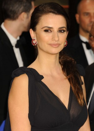 Penelope Cruz: Oscar 2014 - Vanity Fair Party -01