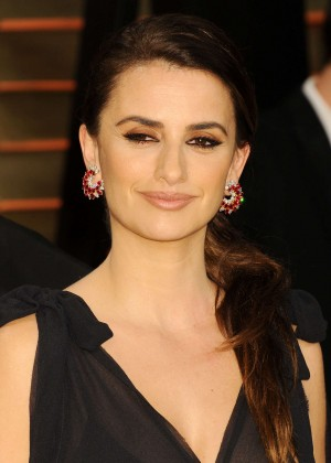 Penelope Cruz: Oscar 2014 - Vanity Fair Party -03