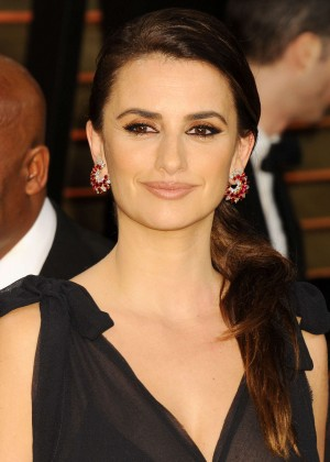Penelope Cruz: Oscar 2014 - Vanity Fair Party -05