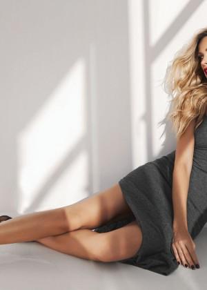 Petra Nemcova: Modern Luxury Magazine 2014 -08