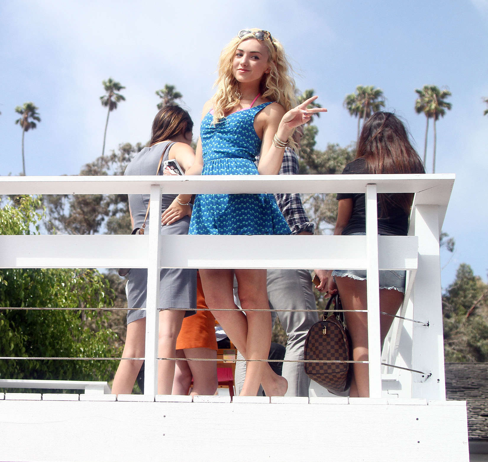 Peyton roi list at the hollister house 16 gotceleb for Hollister house